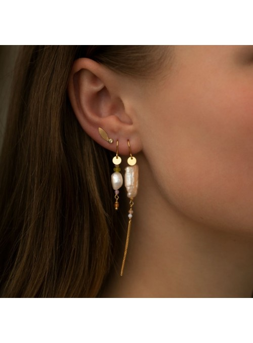 Stine A Long baroque pearl with chain earring peach sorbet gold